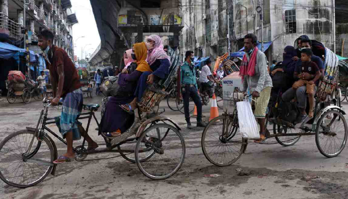 Lockdown breaches: 239 arrested in Dhaka on day 15