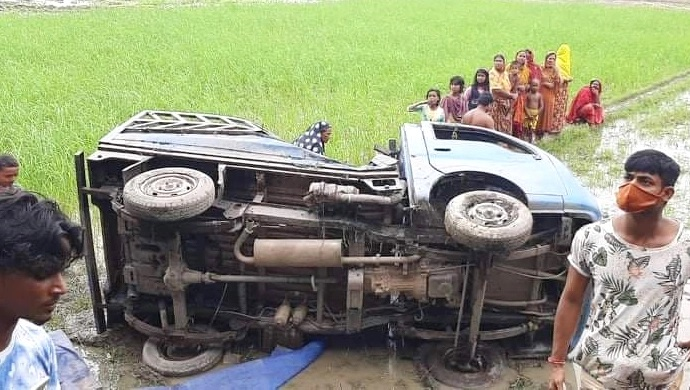 Death toll hits 6 in Natore road accident