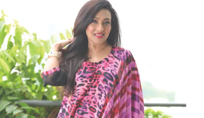 Rituparna wants to motivate people during 'troubled times'