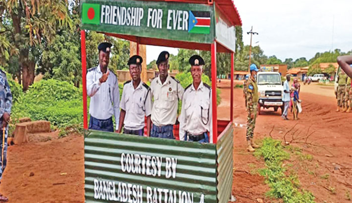 Bangladeshi peacekeepers provide police boxes in South Sudan