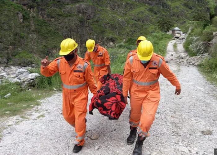 India landslide death toll rises to 14
