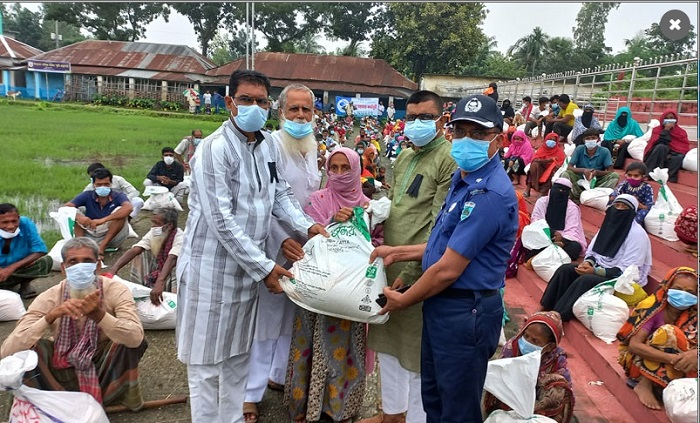 Bashundhara Group continues relief operation in Pabna
