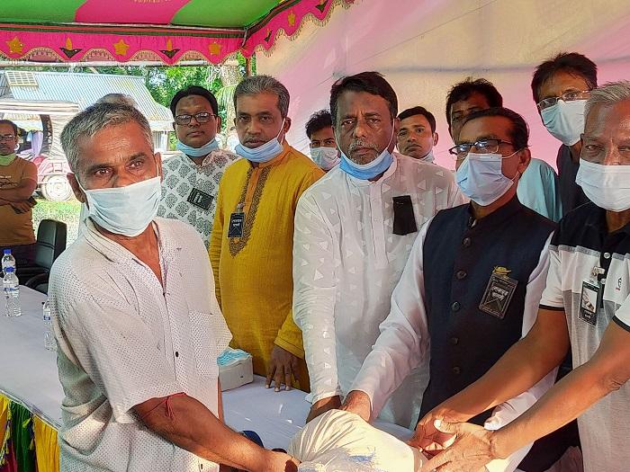 Relief from Hasina, Rehana brings joy to distressed people of Gopalganj