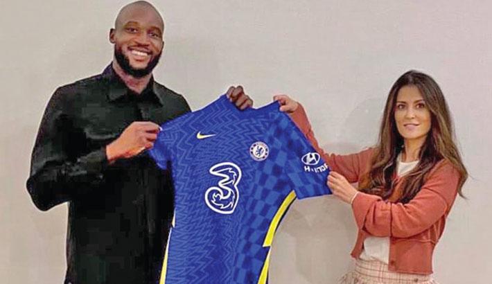 Lukaku rejoins Chelsea on five-year deal