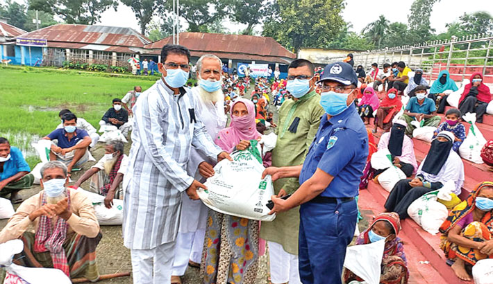 Bashundhara Group continues relief distribution in Pabna