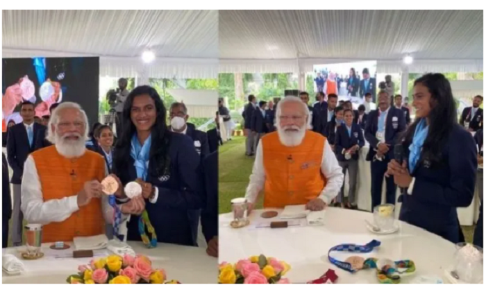 Modi fulfils promise he made to shuttler PV Sindhu, has ice-cream together