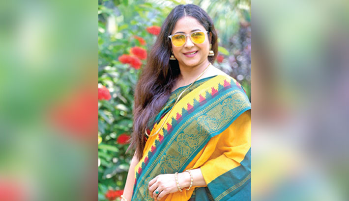 Chumki awaits release of her debut film