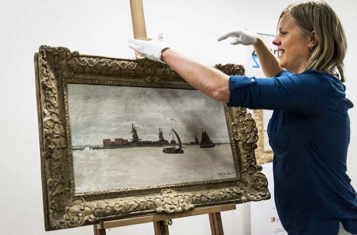 Thieves grab museum's $1.4 million Monet but escape empty-handed