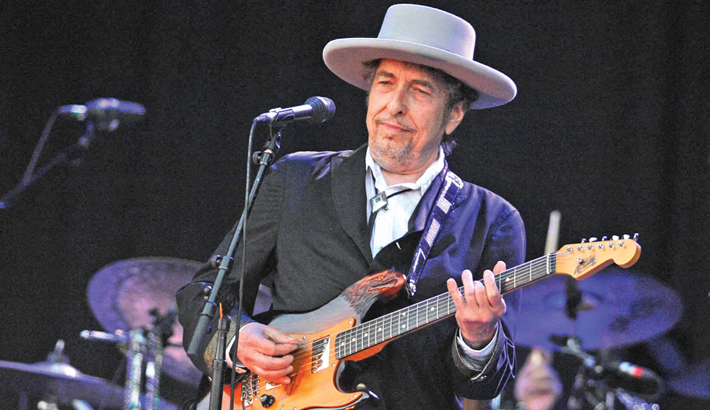 Bob Dylan sued for 'sexually' abusing girl in 1965