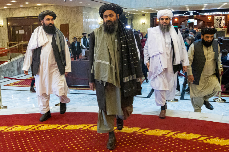 Taliban leader returns from exile, after group vows to 'live peacefully'