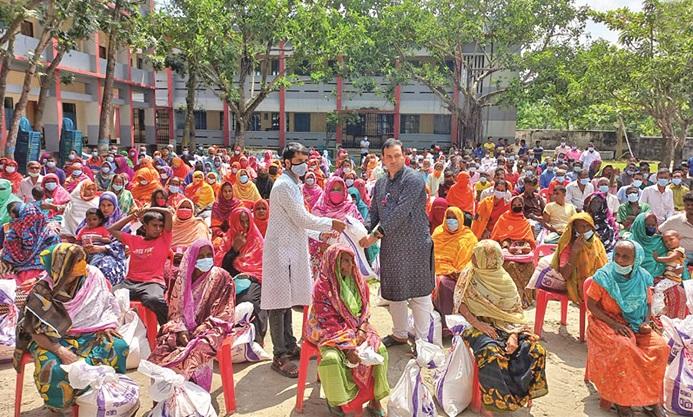 Bashundhara Group continues relief operation in Rajshahi