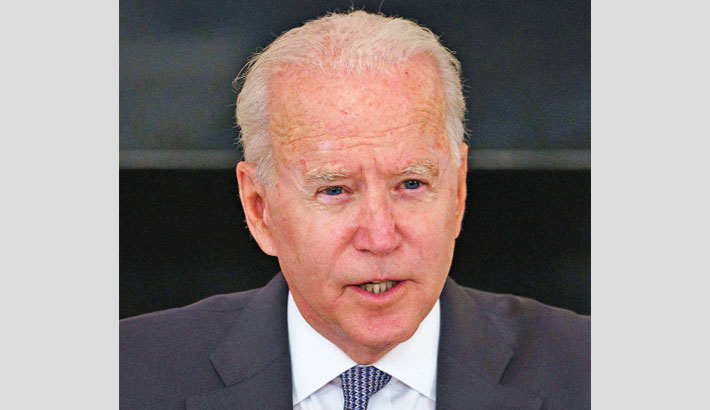 Biden vows to evacuate all Americans from Afghanistan