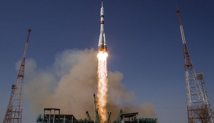 Russian rocket launches 34 new UK satellites
