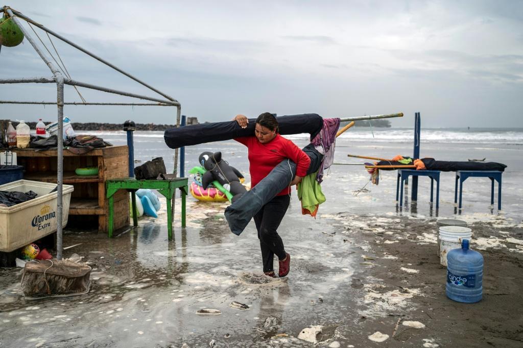 Hurricane Grace kills 8 including children in Mexico