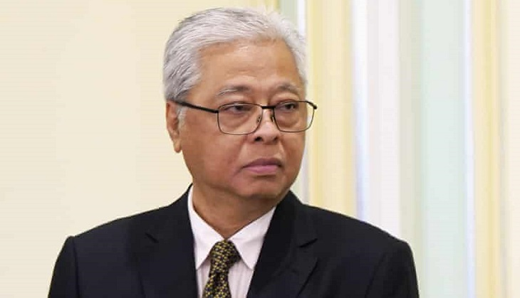 Malaysia's new PM, opposition seek to ease tensions