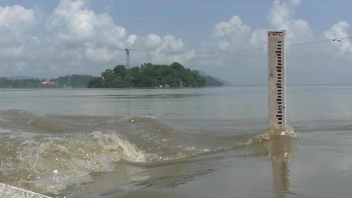 Brahmaputra crosses danger level in Gaibandha, river basin areas flooded