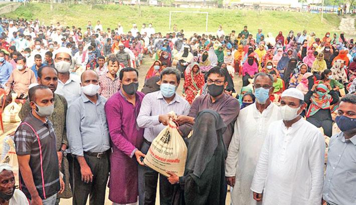 3,000 more poor families get food aid in Sitakunda