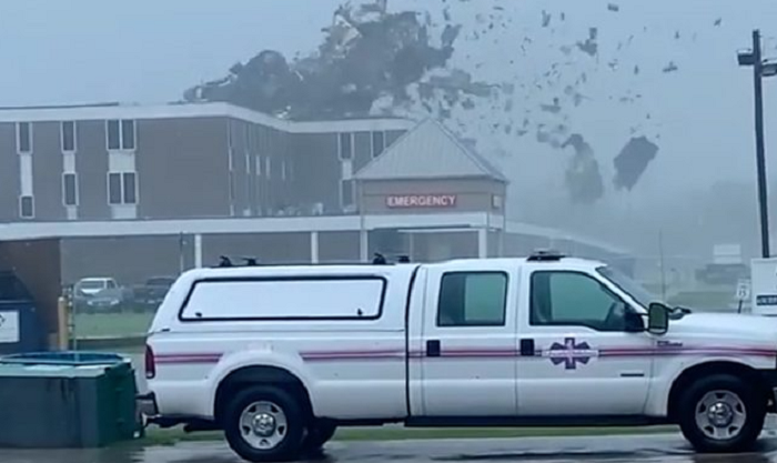 Hurricane Ida: One million people in Louisiana without power