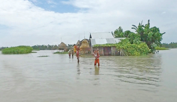 Flood plays havoc in north, central regions