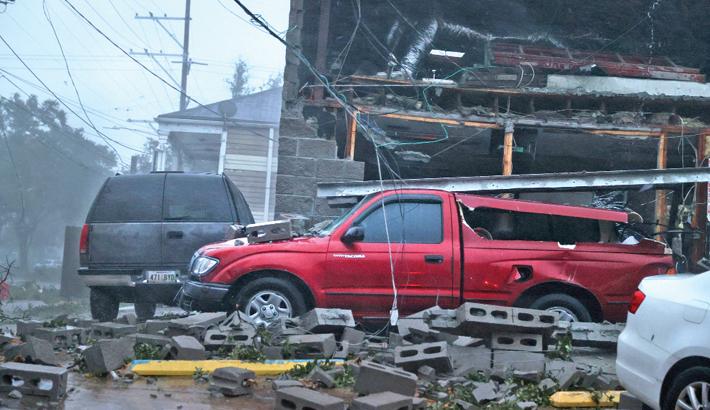 Hurricane Ida batters US state of Louisiana