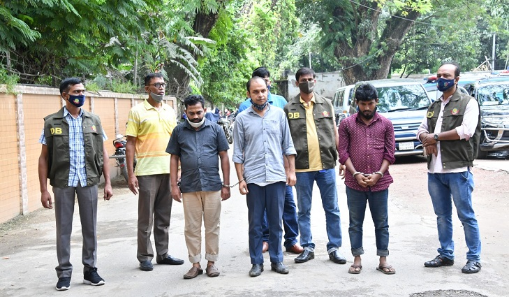 3 arrested for cheating in name of Covid testing booths