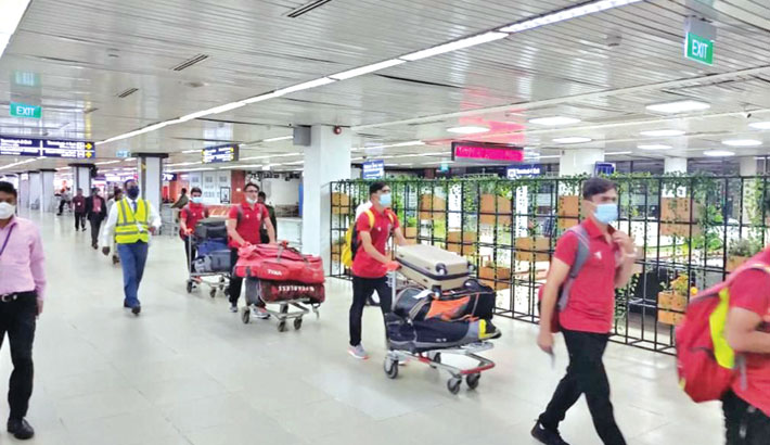 Afghanistan Under-19 team arrive at the Hazrat Shahjalal International Airport in Dhaka on Saturday to play five youth ODIs and a four-day match against Bangladesh counterparts. – BCB PHOTO
