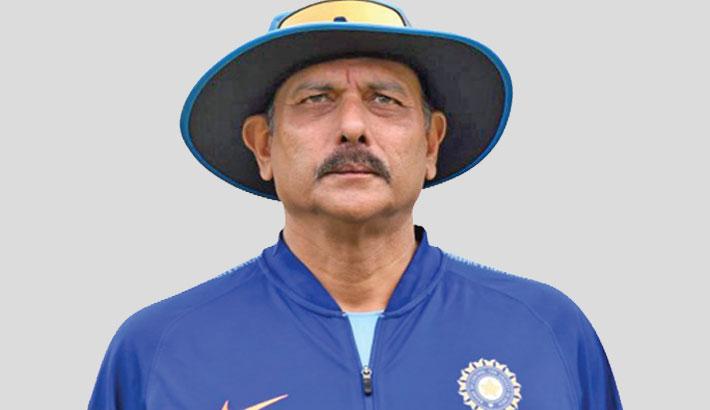 India coach Shastri tests positive for corona