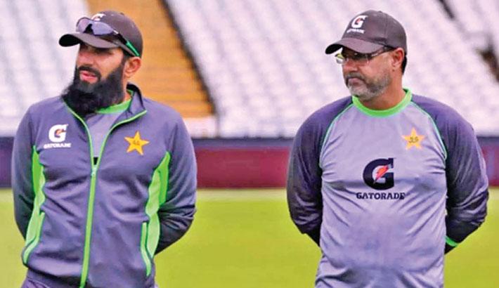 Misbah, Waqar resign as Pakistan coaches