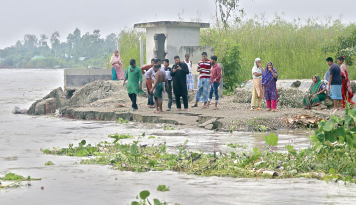 River erosion swallows thousands of homes
