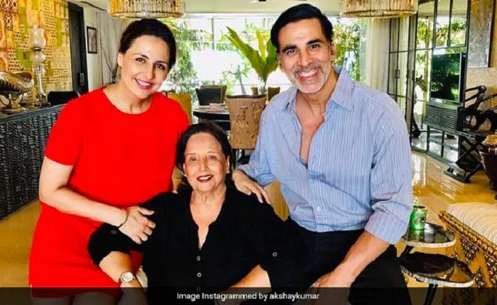 "Bollywood actor Akshay Kumar's mother Aruna Bhatia dies, he says, ""today I feel unbearable pain"""
