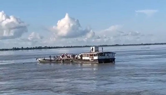 2 boats with 100 passengers collide in Brahmaputra in Assam, many missing
