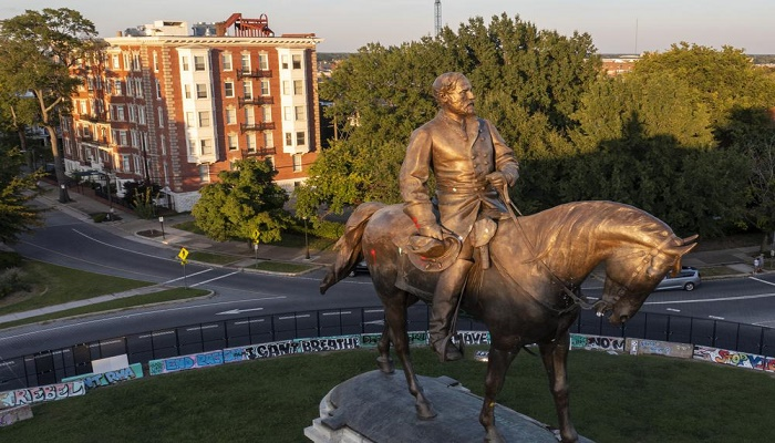 Lee statue in Richmond set to be removed, sent to storage