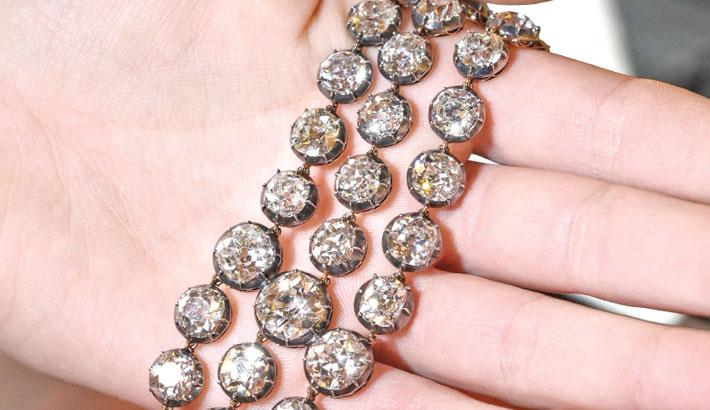 Marie-Antoinette diamonds up for auction in Geneva