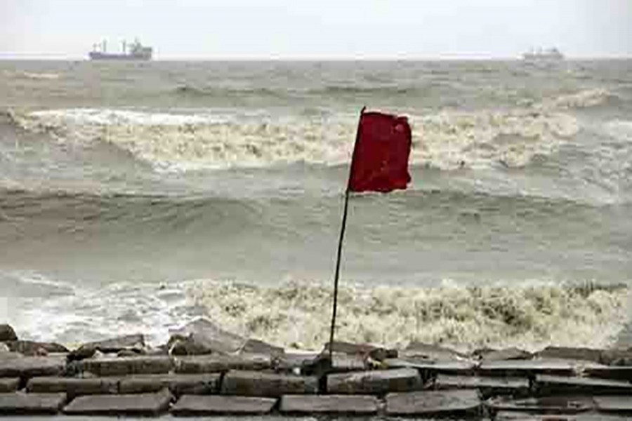 Signal 3 for maritime ports as depression intensifies into deep depression