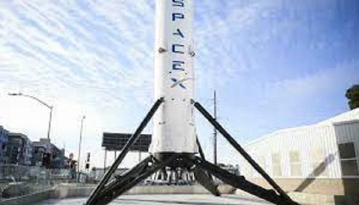 SpaceX to launch private, all-civilian crew into Earth orbit