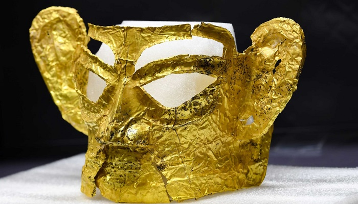 Gold mask among 3,000-year-old relics unearthed in southwest China