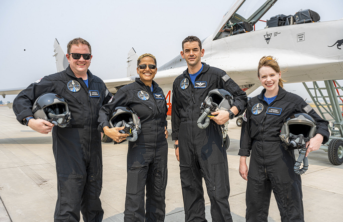 4 will circle Earth on 1st SpaceX private flight