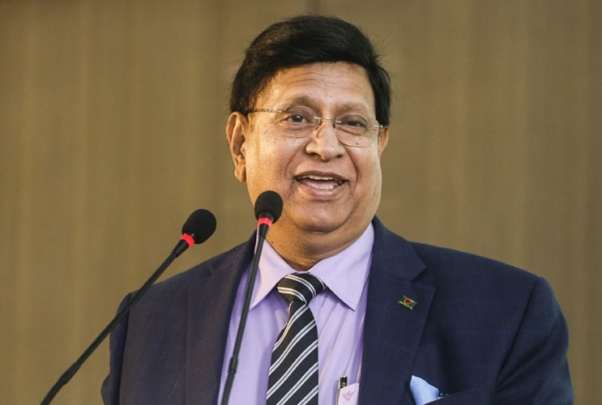 Bangladesh on track to get 24cr Covid jabs by Mar-Apr: Momen