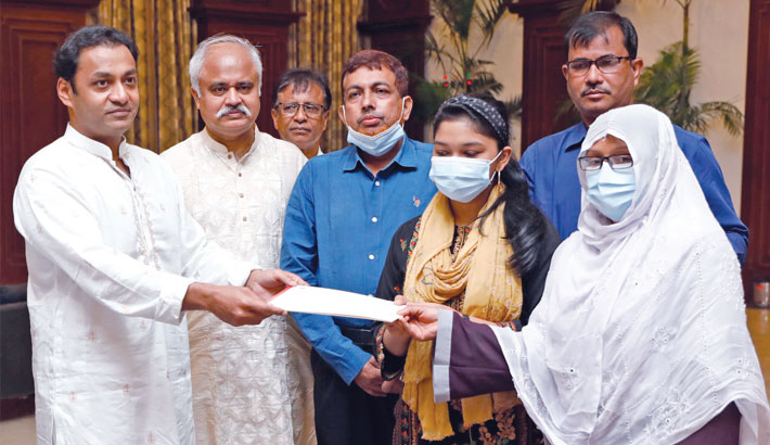 Bashundhara Group MD stands by photojournalist Didarul's family
