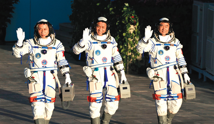 Chinese astronauts complete 3-month space mission