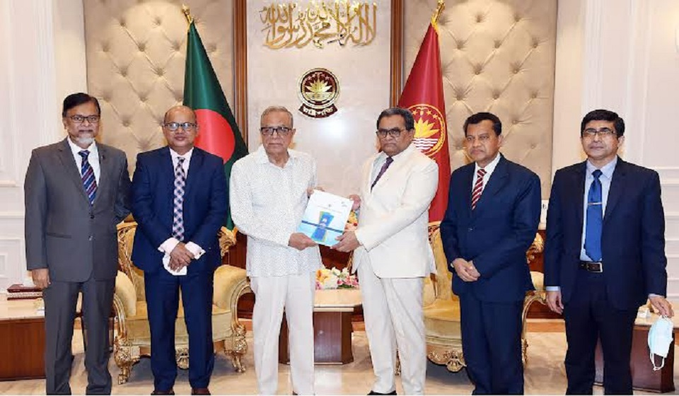 President for enhancing judges' IT skills with advanced training