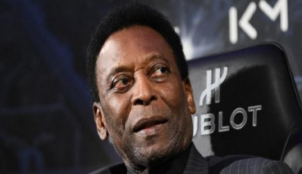 Pele in 'semi-intensive' care, daughter says he's doing well