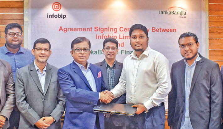 LankaBangla Finance Senior Executive Vice-President Khurshed Alam and Infobip Bangladesh Country Manager Rahad Hossain are seen at an agreement signing ceremony at LankaBangla Finance head office in the capital recently.
