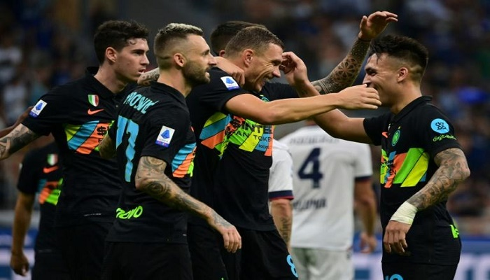 Inter crash six past Bologna to move top of Serie A