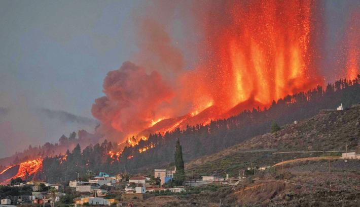 Lava destroys homes, forces evacuations