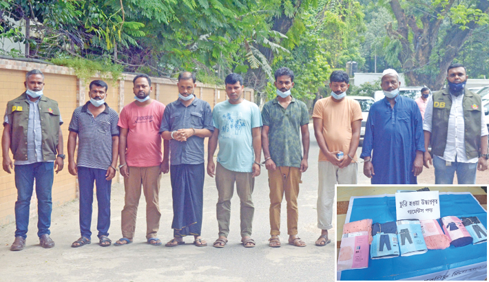 7 thieves held for stealing export goods