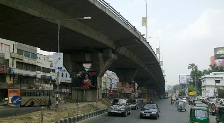 Man killed in city's Mohakhali road crash