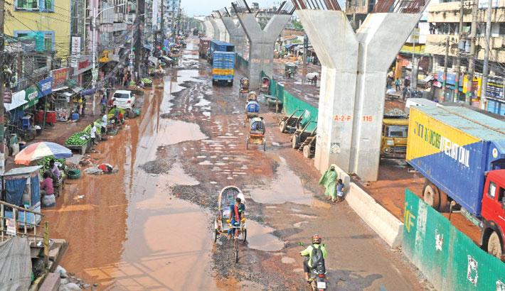 Major Ctg roads lie in bad shape