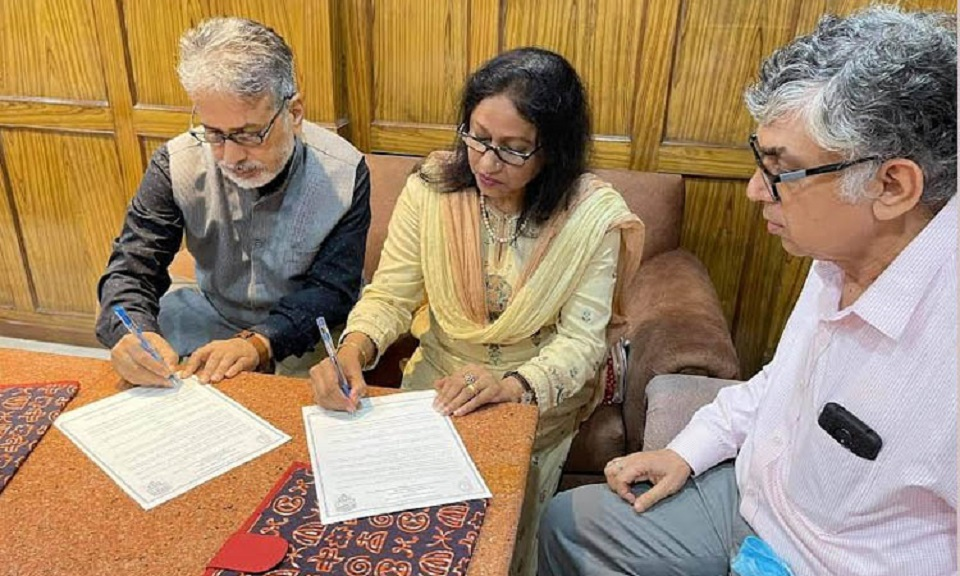 Jatiya Press Club signs MoU with Press Club of India