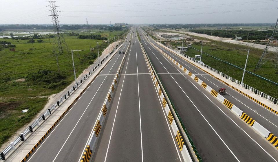 Highway model filling stations on card